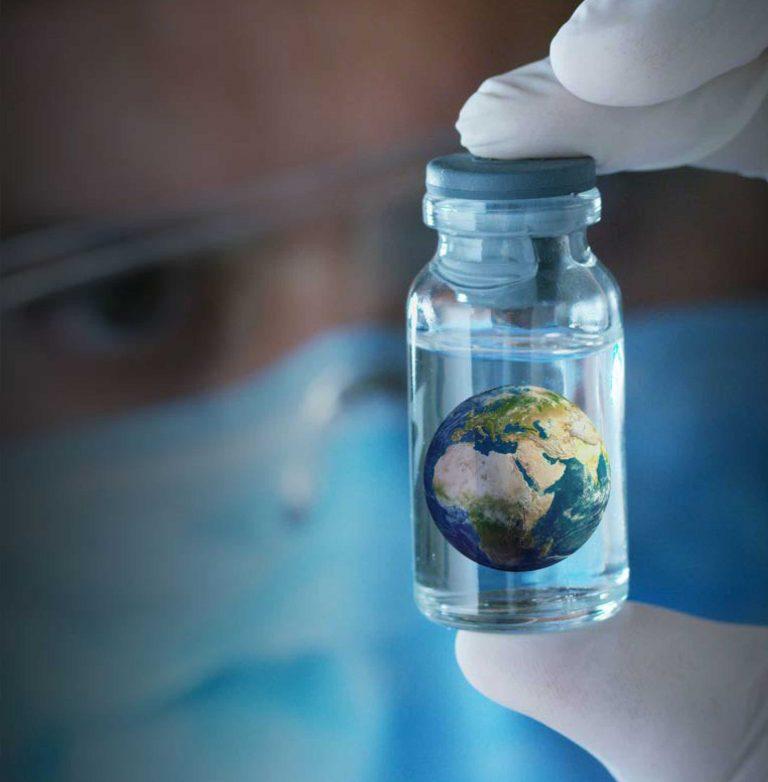 """Natura malata, pianeta infetto: ecco la """"Nuova Ecologia"""" di aprile"""