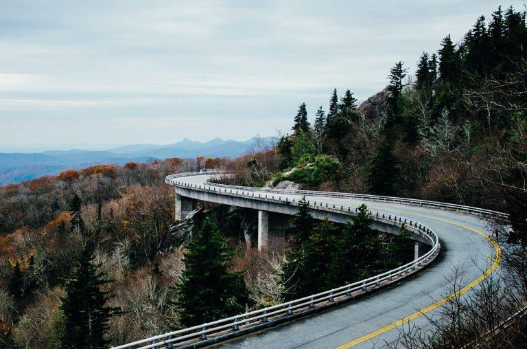 Calcestruzzo e tondini per i ponti, non per nuove autostrade