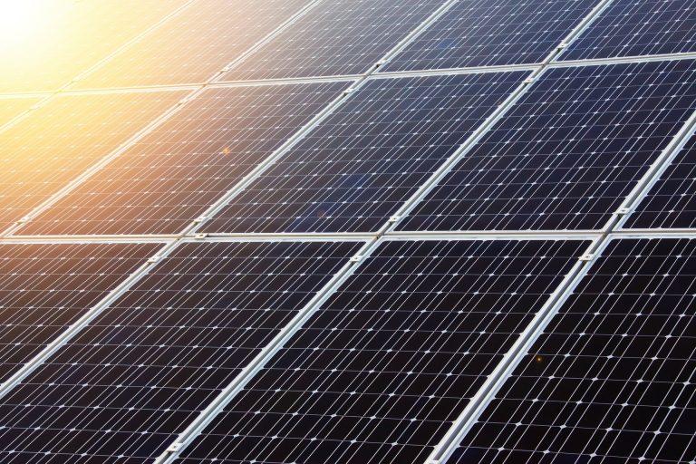 L'innovazione energetica in Italia e 32 progetti di comunità rinnovabili e autoproduzione collettiva