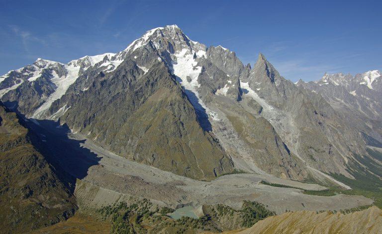 Carovana dei ghiacciai, viaggio attraverso le Alpi minacciate dall'emergenza climatica